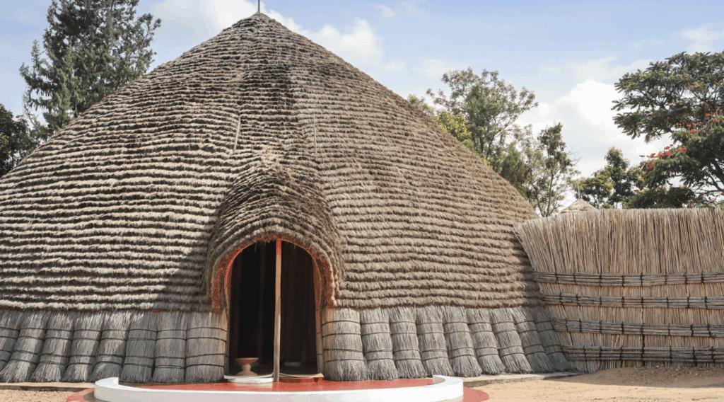 Visit-Rwanda-Kings-Palace-Nyanza-Front-1920×1280 (2)